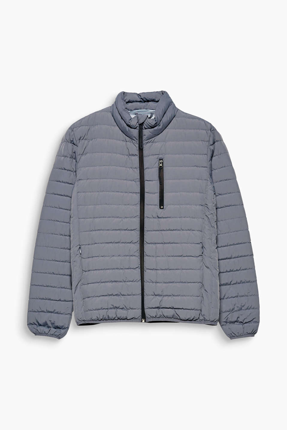 Classic outerwear: this timeless, quilted jacket filled with RDS certified down and feathers.
