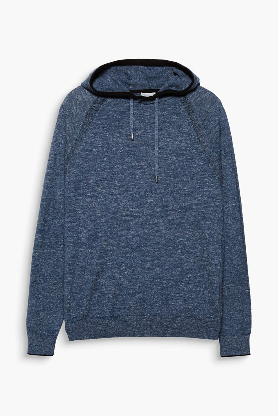 A cool style mix thanks to its sporty design in a soft fine knit: Hoodie in 100% cotton.
