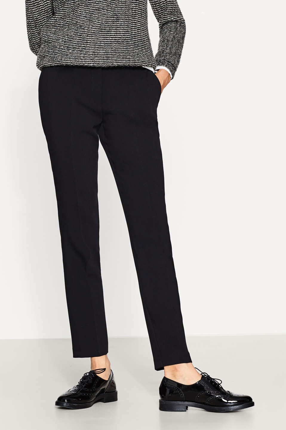 Esprit - Slim-fitting bi-stretch trousers with belt
