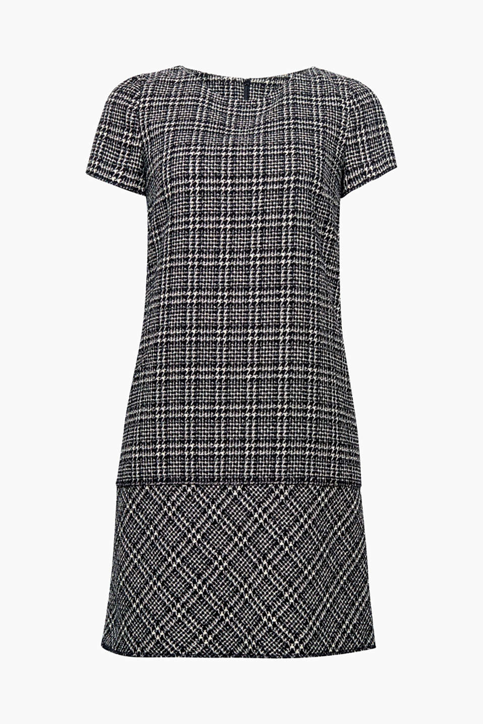 We love retro: A classic houndstooth pattern turns into all-over checks on the textured fabric of this fitted dress!