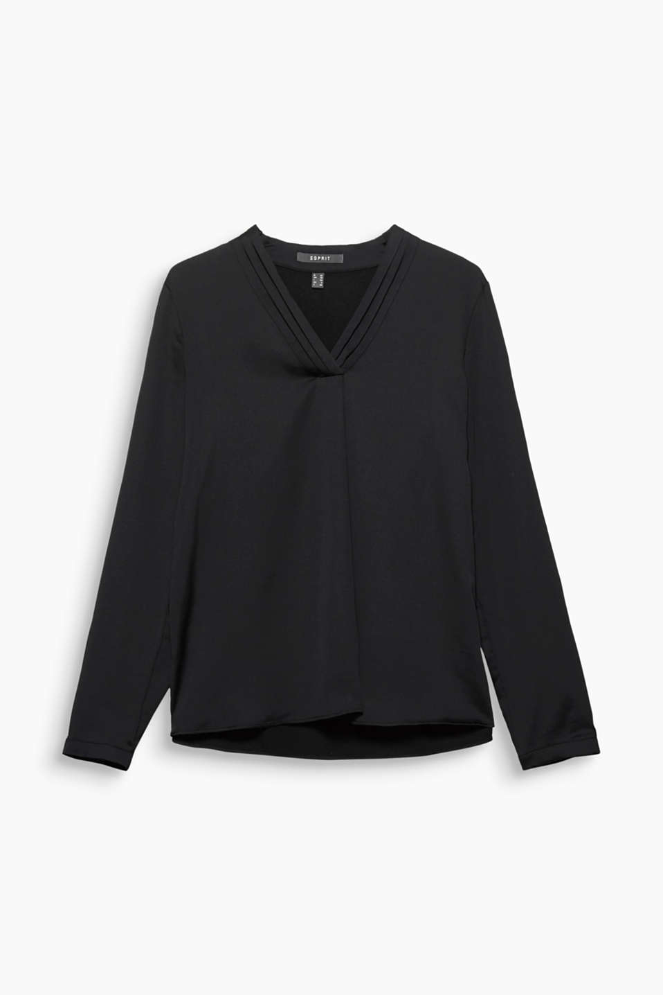 Your new office style: This blouse with a V-neckline decorated with pintucks is flowing, fine and easy to care for!