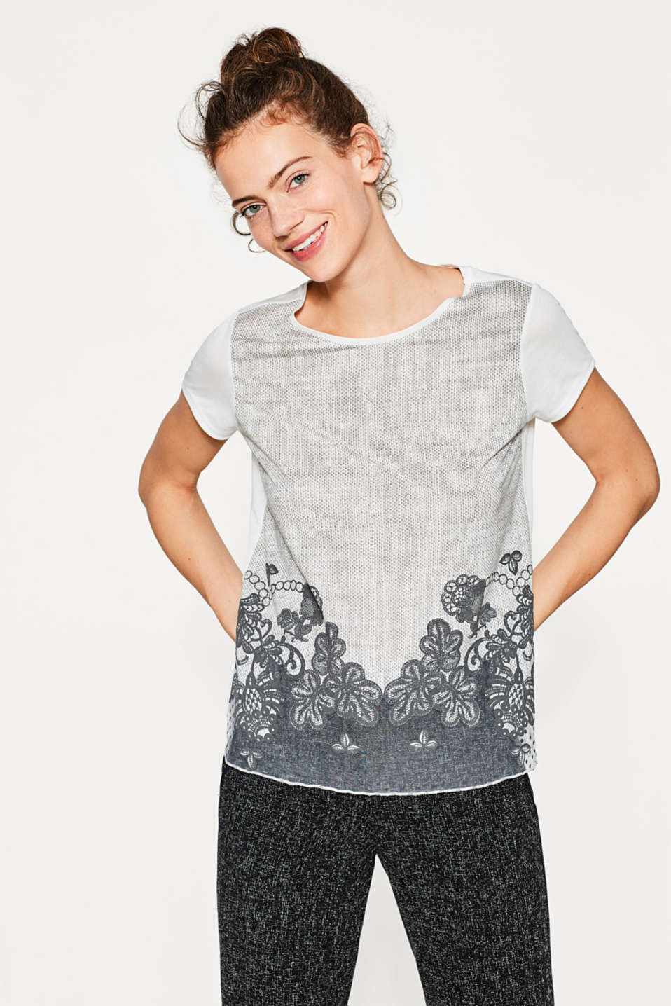 Esprit - Silky printed top with a chiffon hem