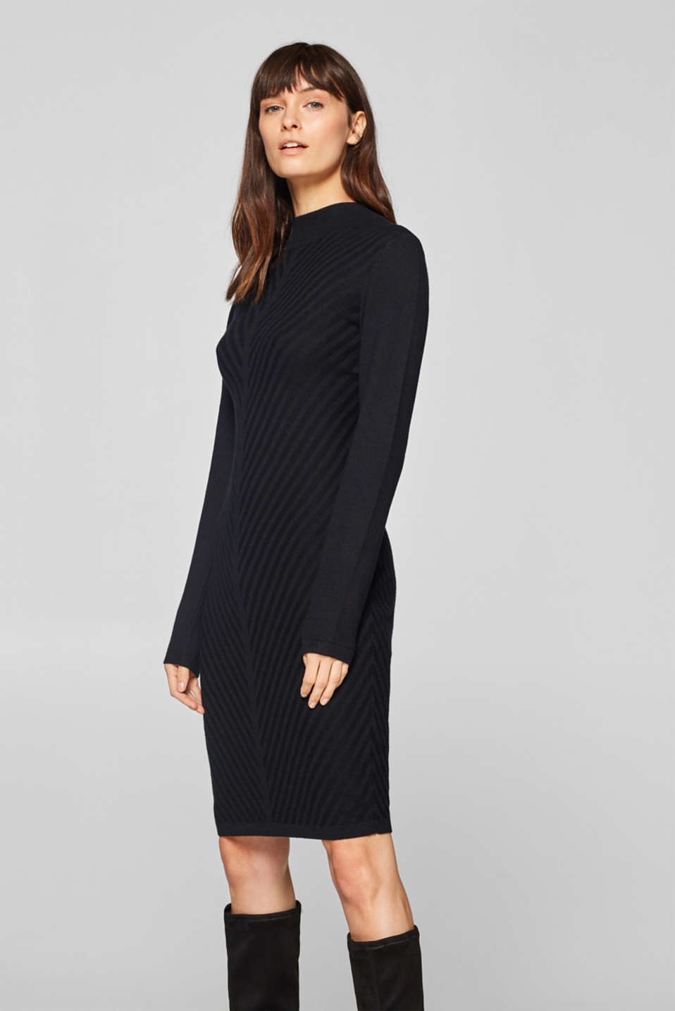 14c0db3c147002 edc - Knitted dress with a diagonal striped texture at our Online Shop