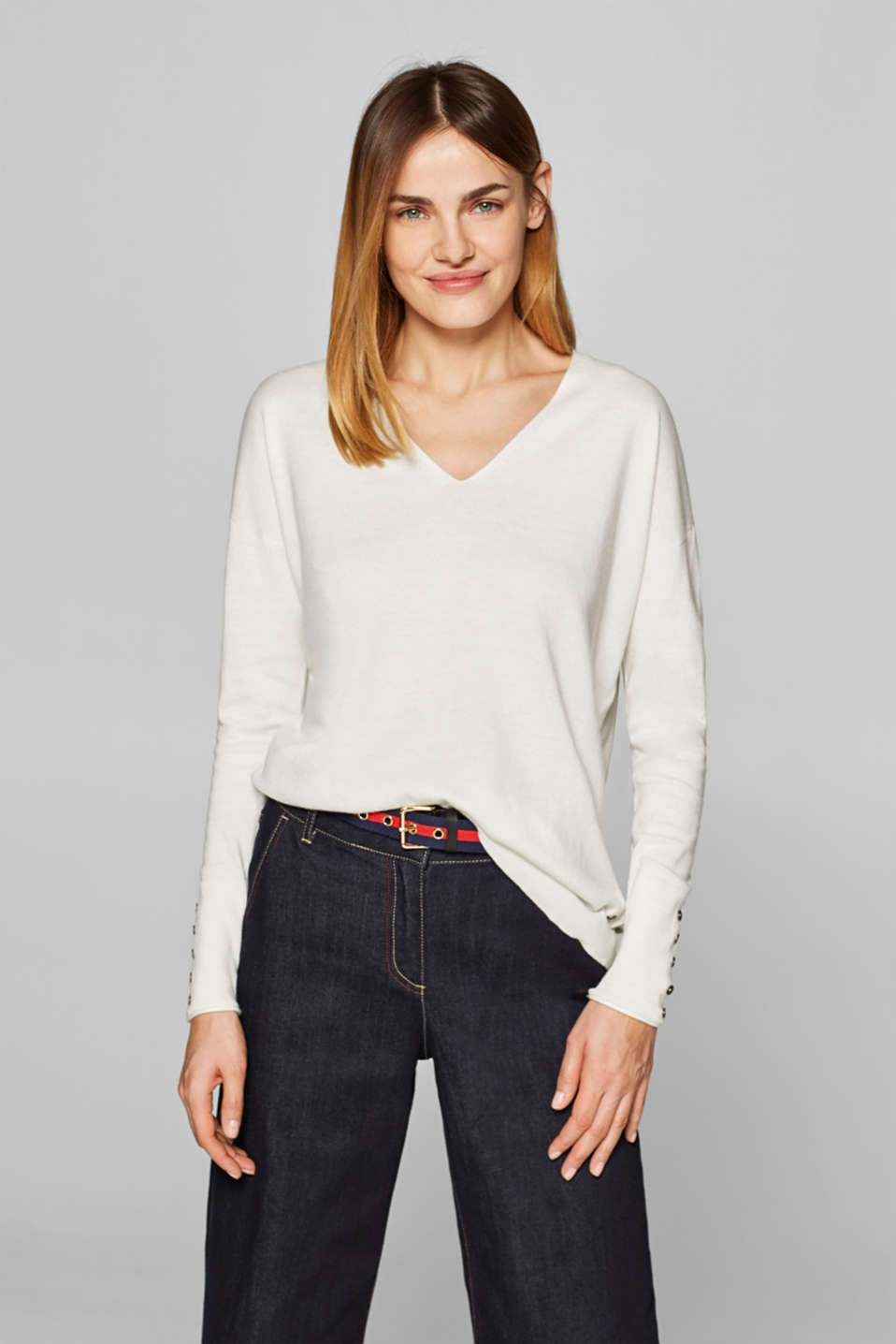 edc - V-neck jumper containing organic cotton