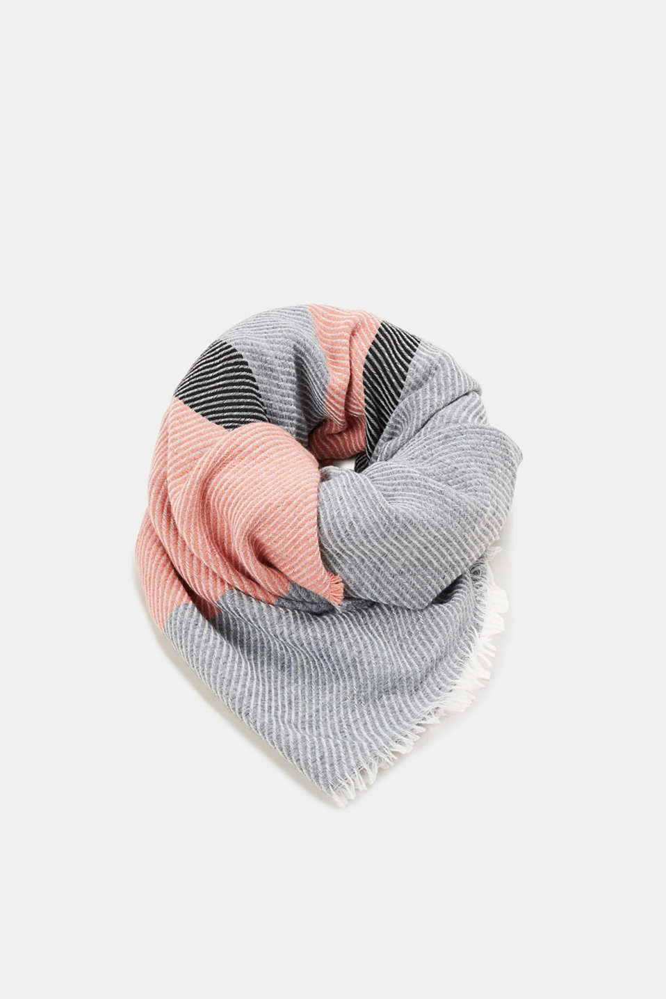 Esprit - With wool: Scarf in Italian yarn
