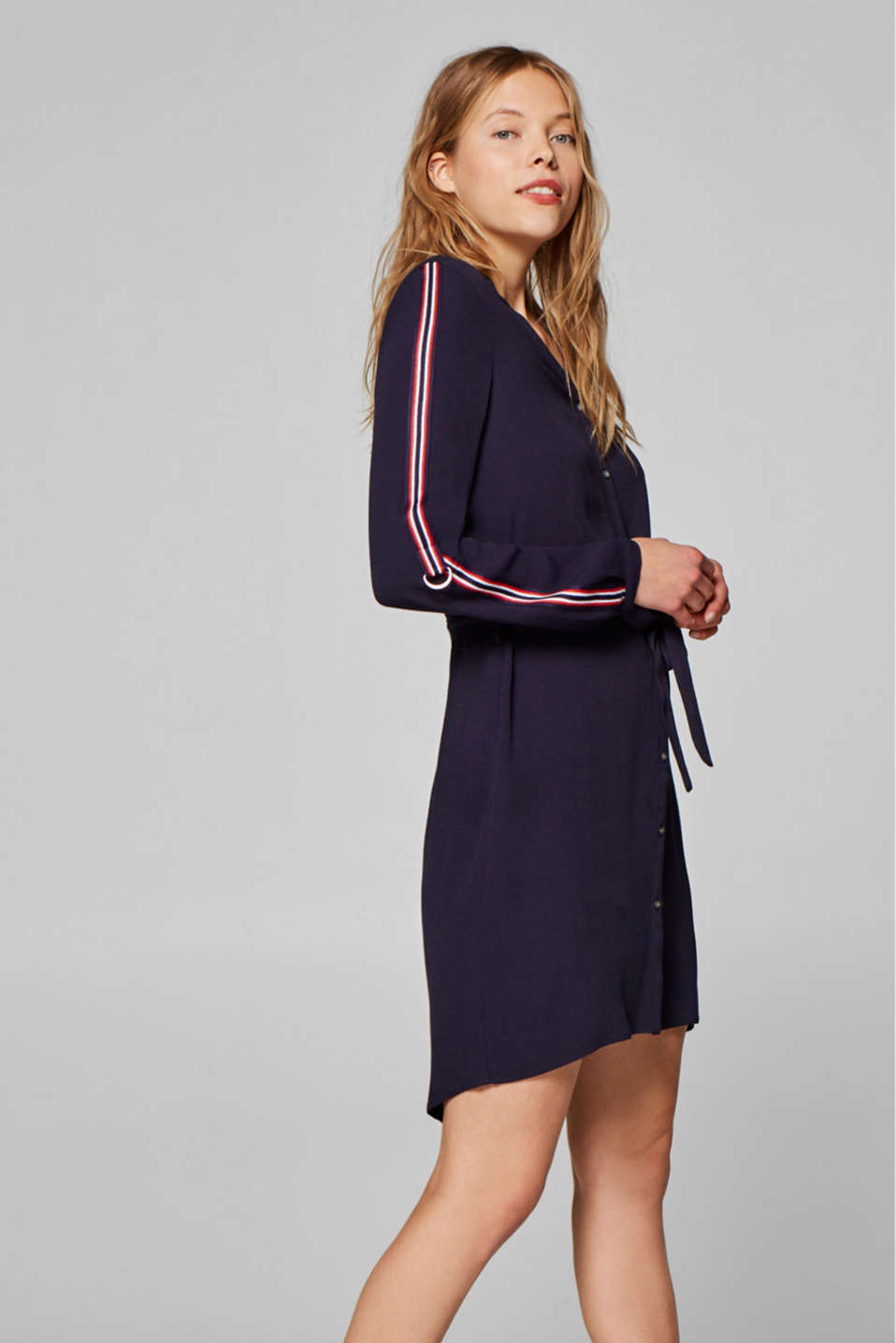 Esprit - Shirt dress in crêpe with contrast stripes