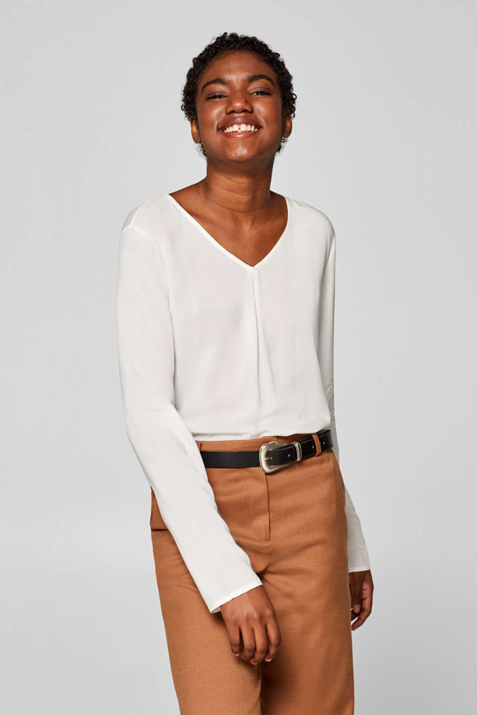 Esprit - V-neck blouse top with a front pleat