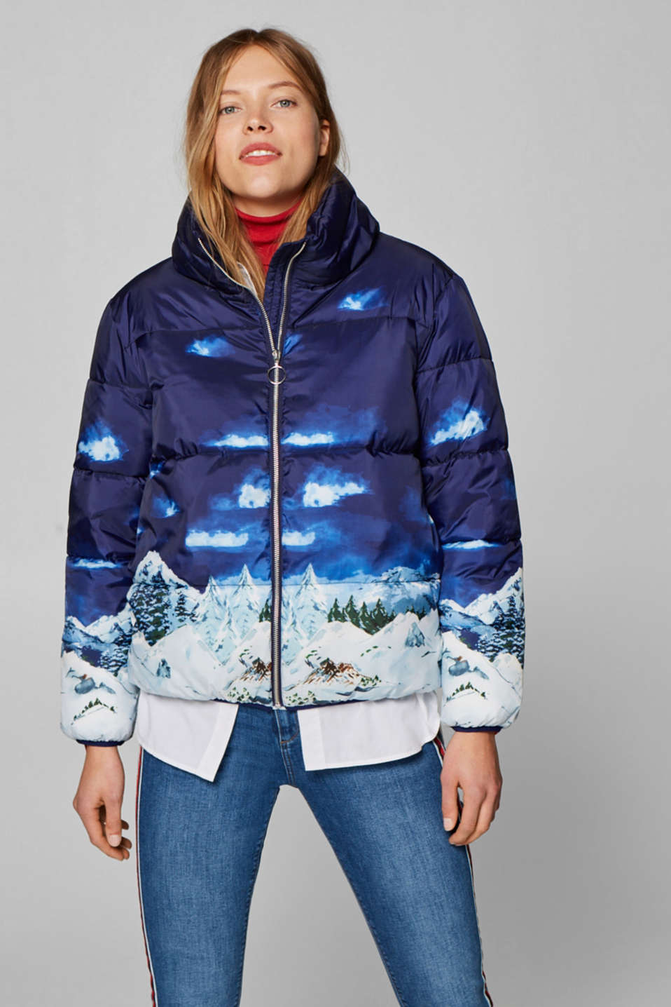 Esprit - Padded quilted jacket with an artistic alpine print