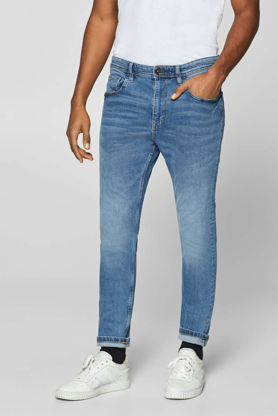 Esprit - Cropped stretch jeans with a vintage garment wash