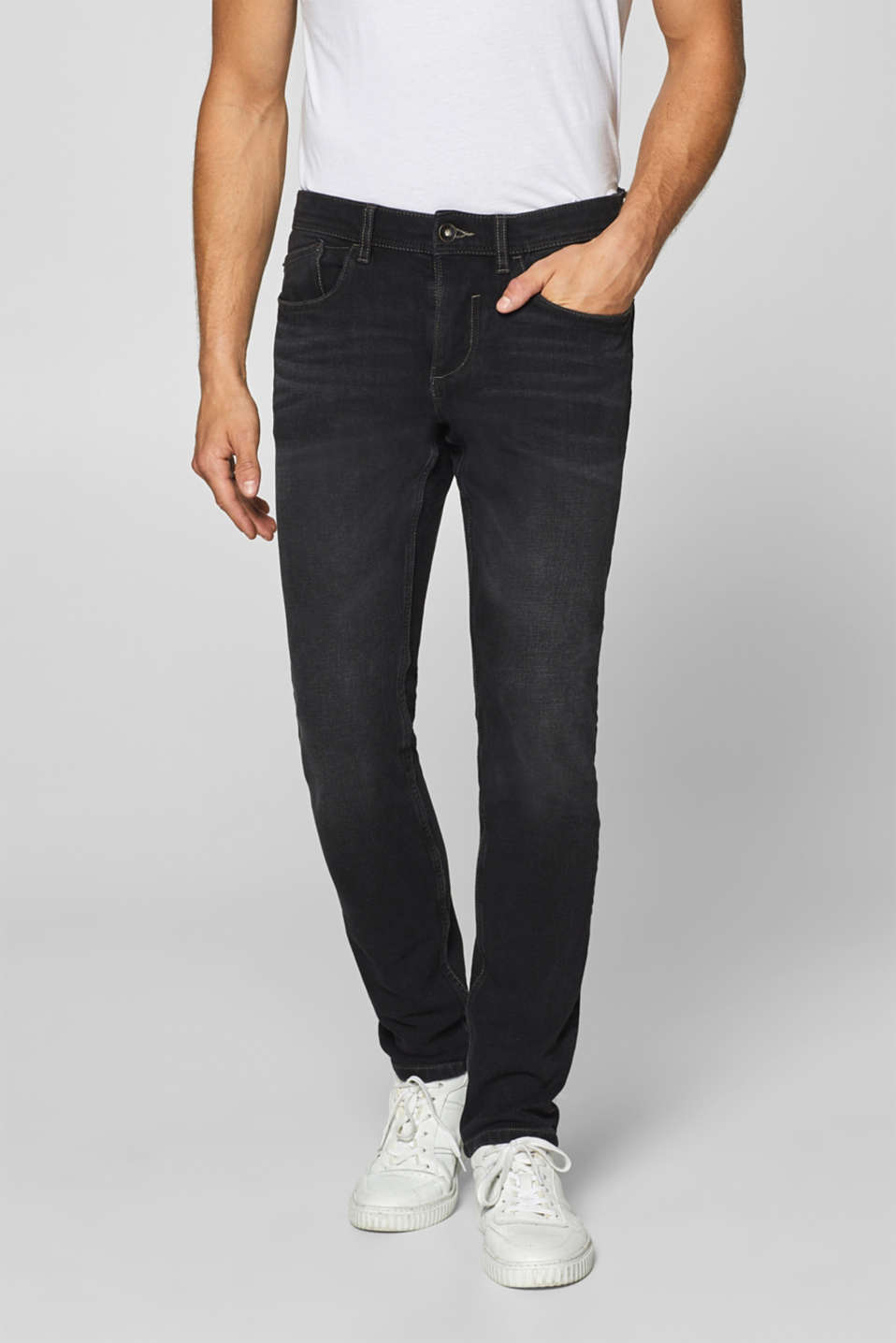 Esprit - Super stretch jeans with a garment wash