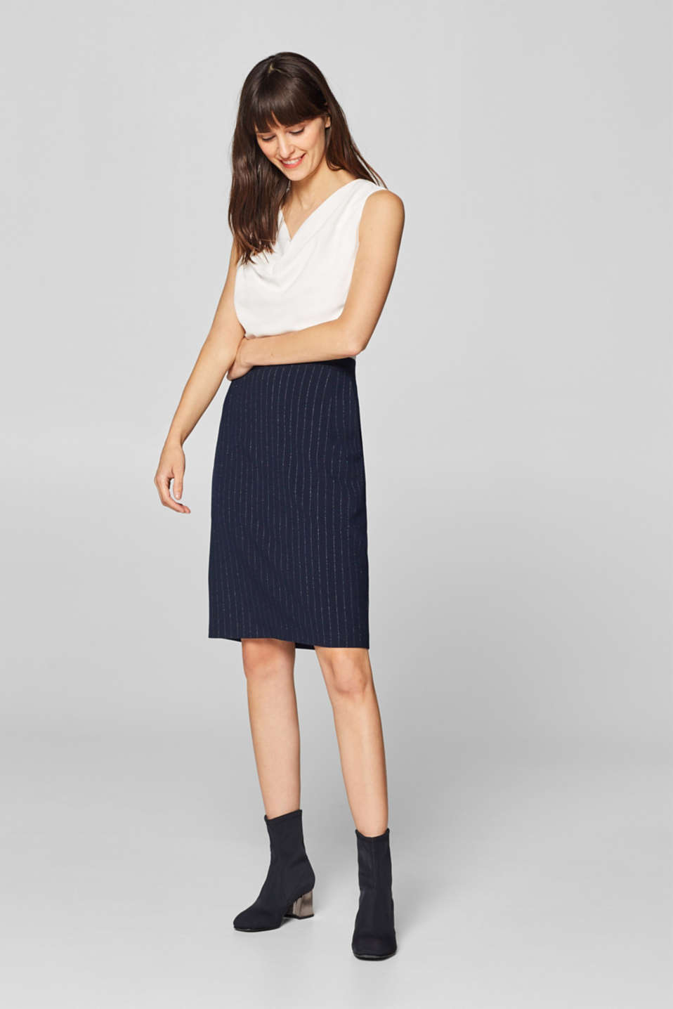 Esprit - Sheath dress in a material mix with glitter stripes