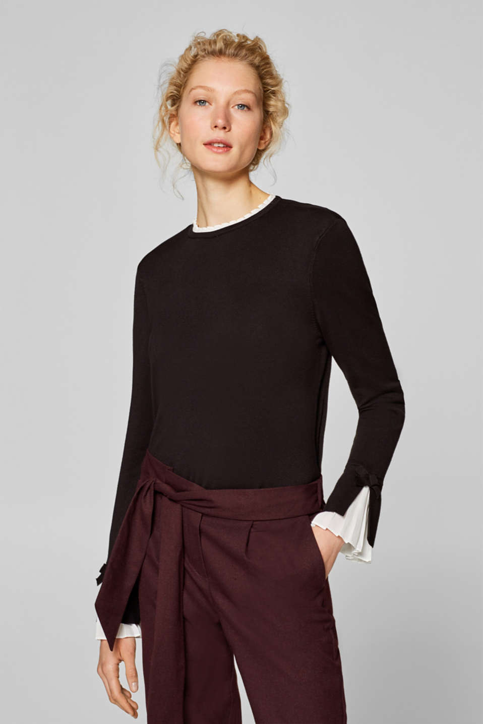 Esprit - Stretch fine knit jumper with fabric details
