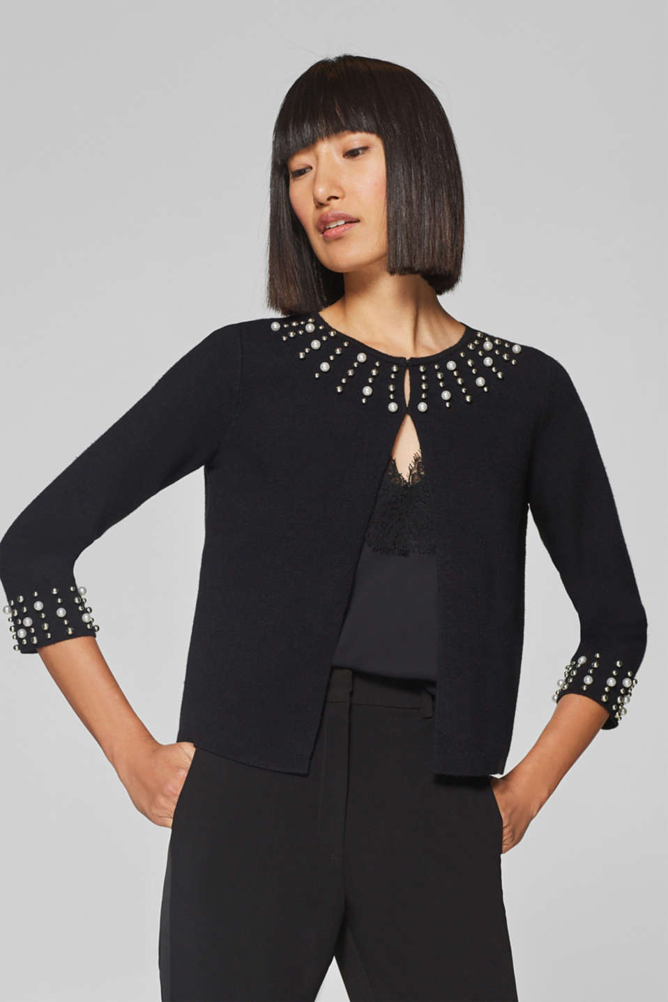 Esprit - Compact knitted bolero with embroidered beads