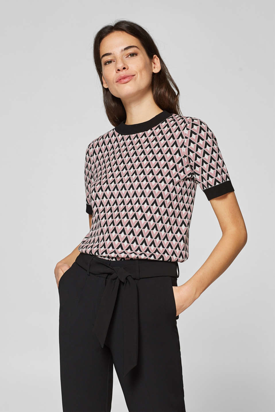 Esprit - Short sleeve jumper with a graphic pattern