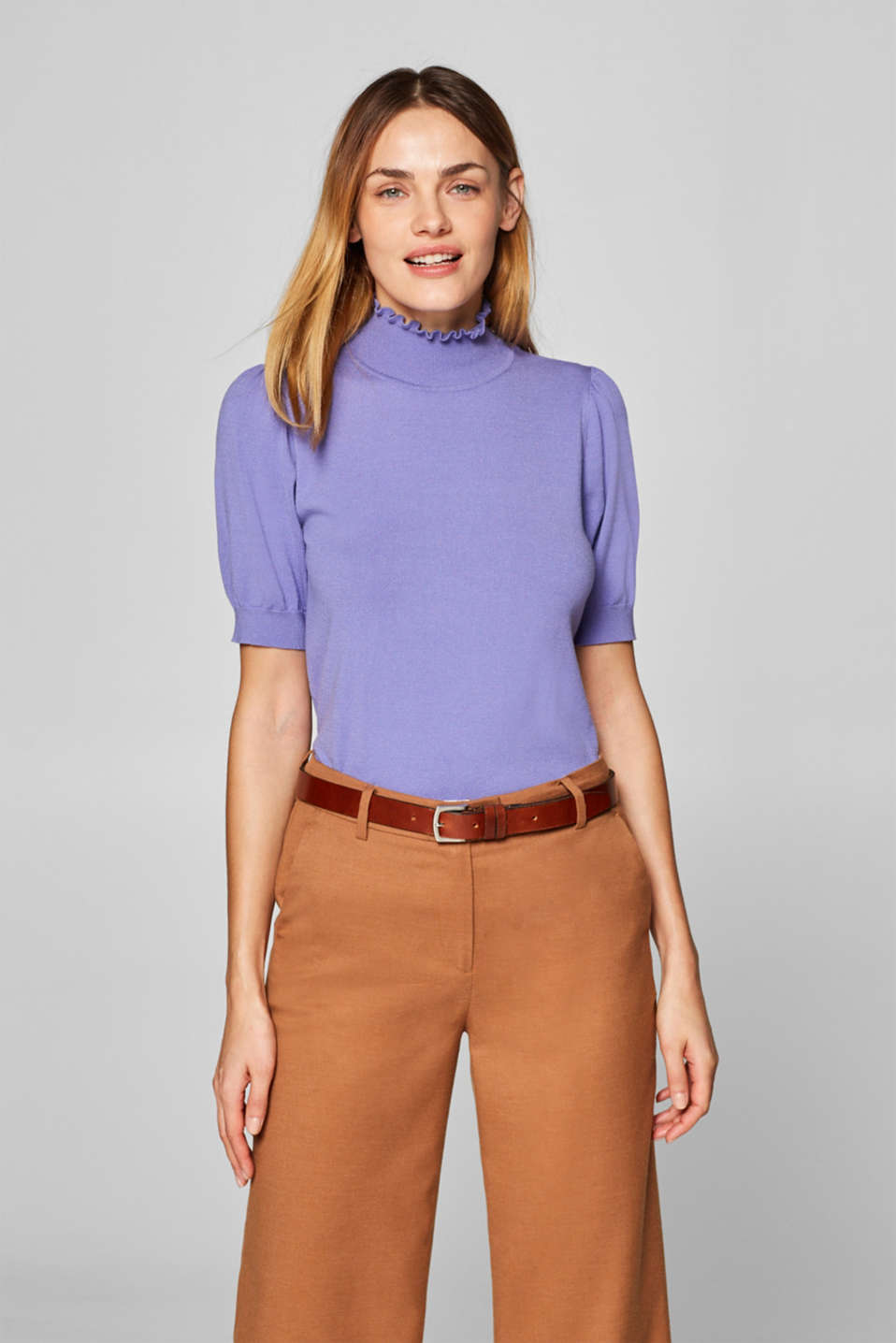 Esprit - Short-sleeved jumper with a frilled band collar
