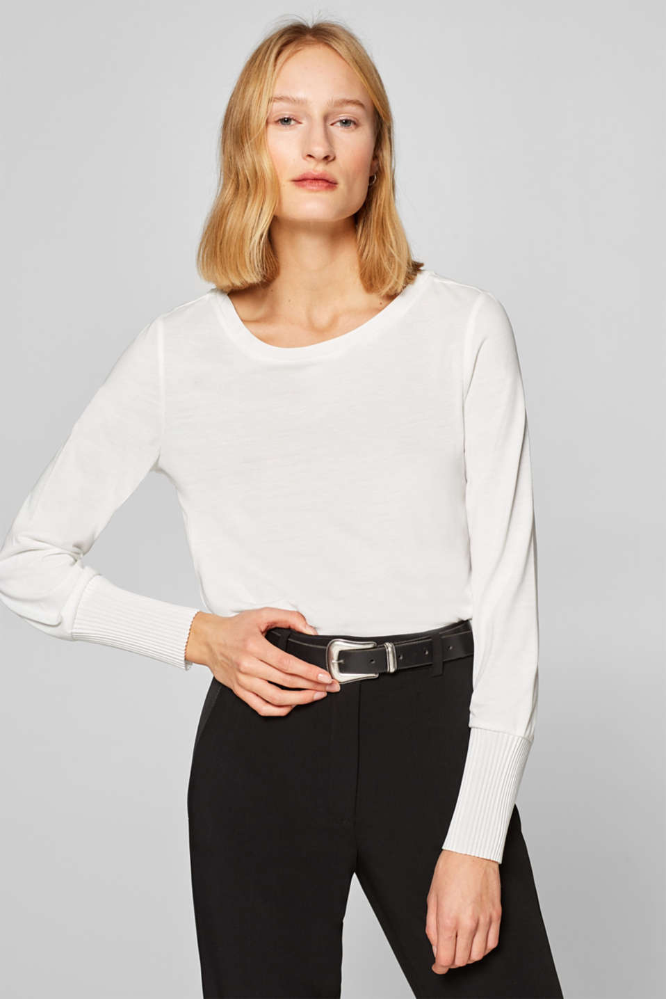 Esprit - Long sleeve top with pleated borders