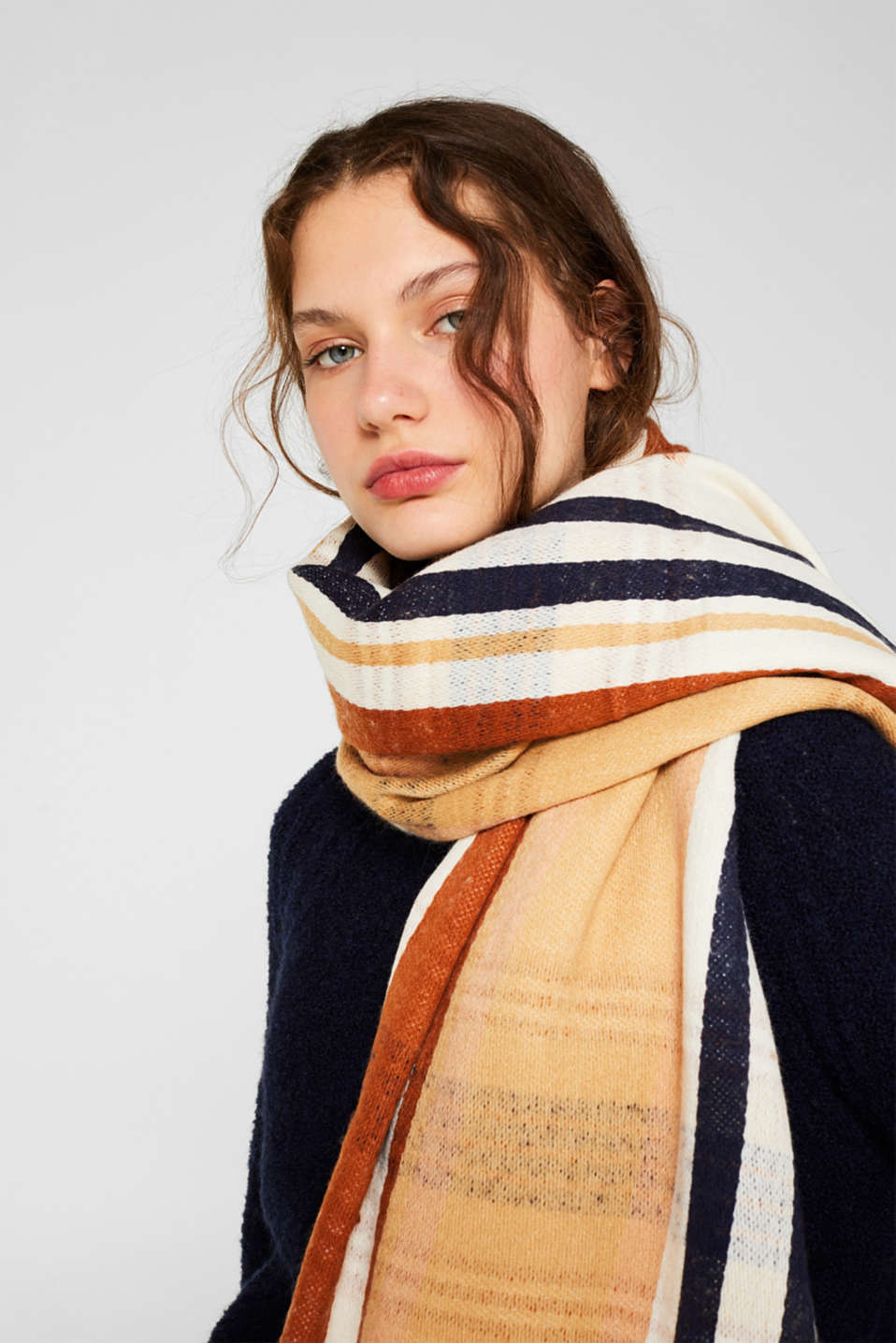 Scarf with stripes, OFF WHITE, detail image number 1