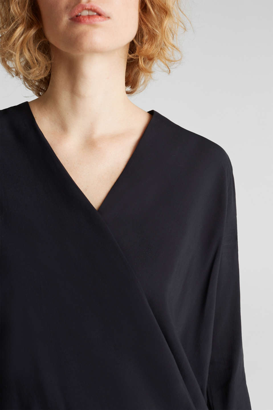 Blouse with LENZING™ ECOVERO™, BLACK, detail image number 2