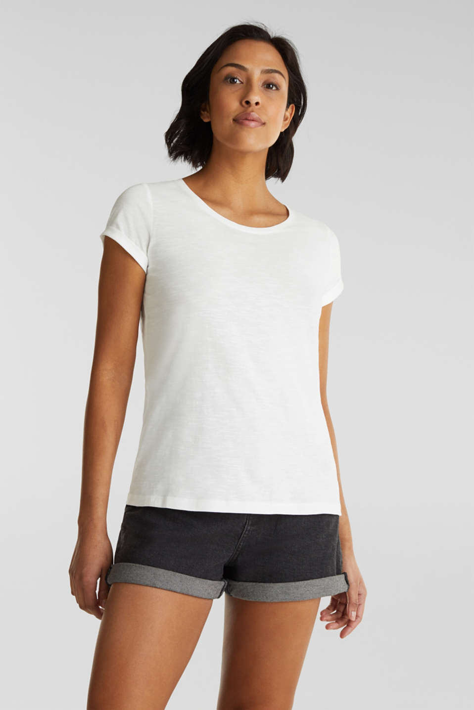 Top with a slub texture, 100% cotton
