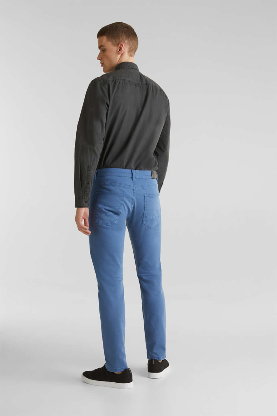 Stretch trousers with wrinkled effects, BRIGHT BLUE, detail image number 3