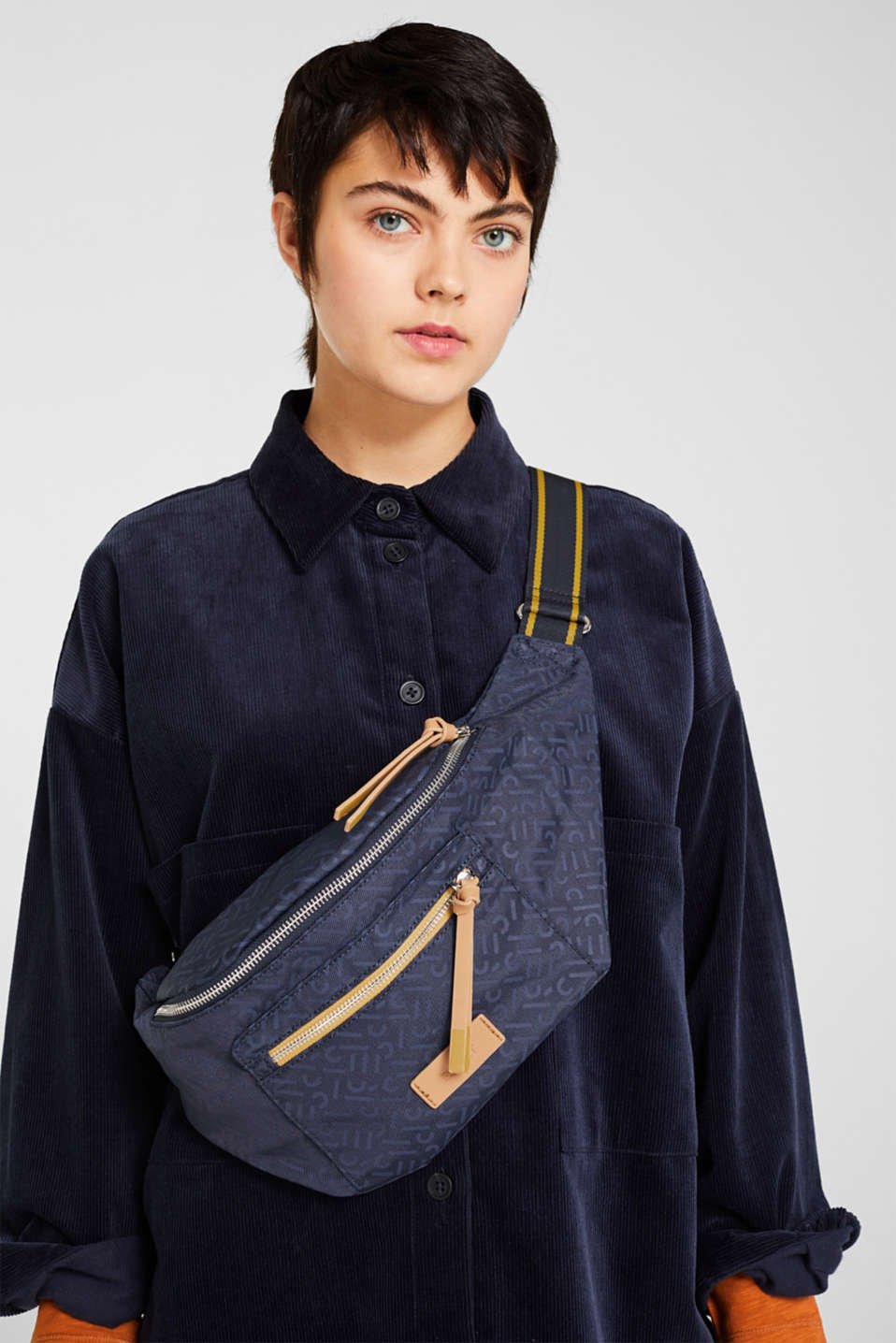 Belt bag with a monogram print, NAVY 2, detail image number 1