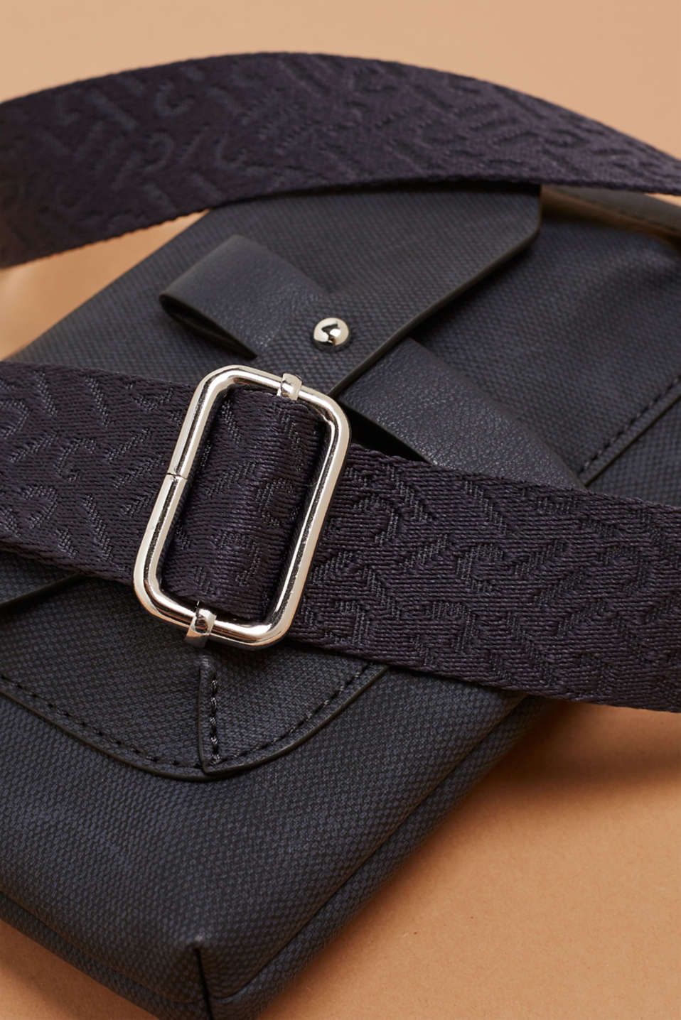 Small faux leather bag with a logo strap, NAVY, detail image number 3
