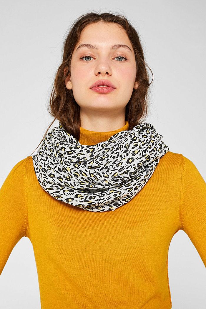 Snood scarf with an animal print