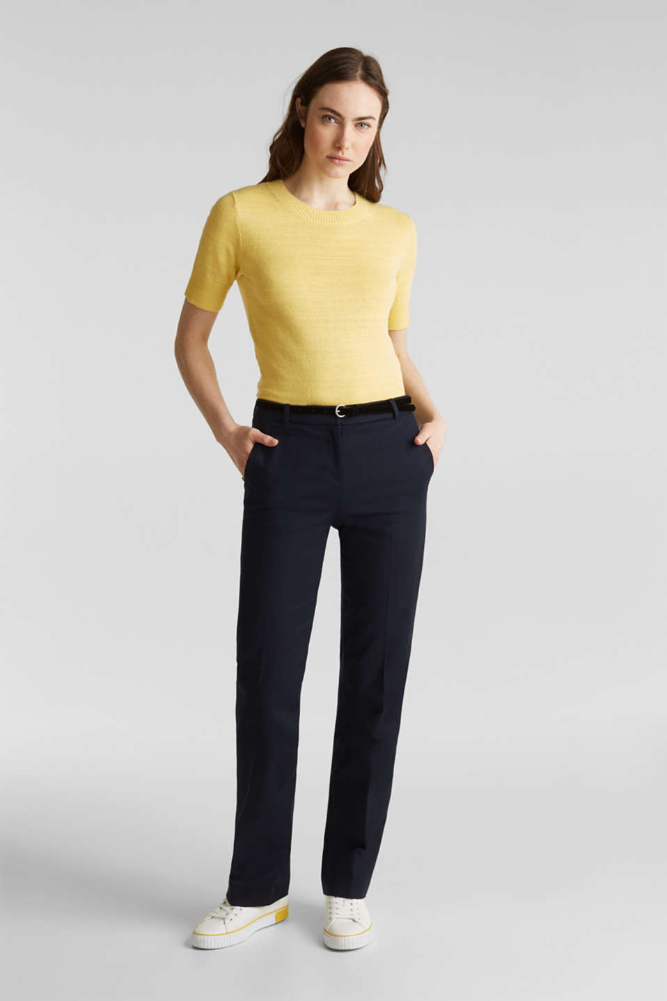 Esprit - Business stretch trousers with a velvety belt