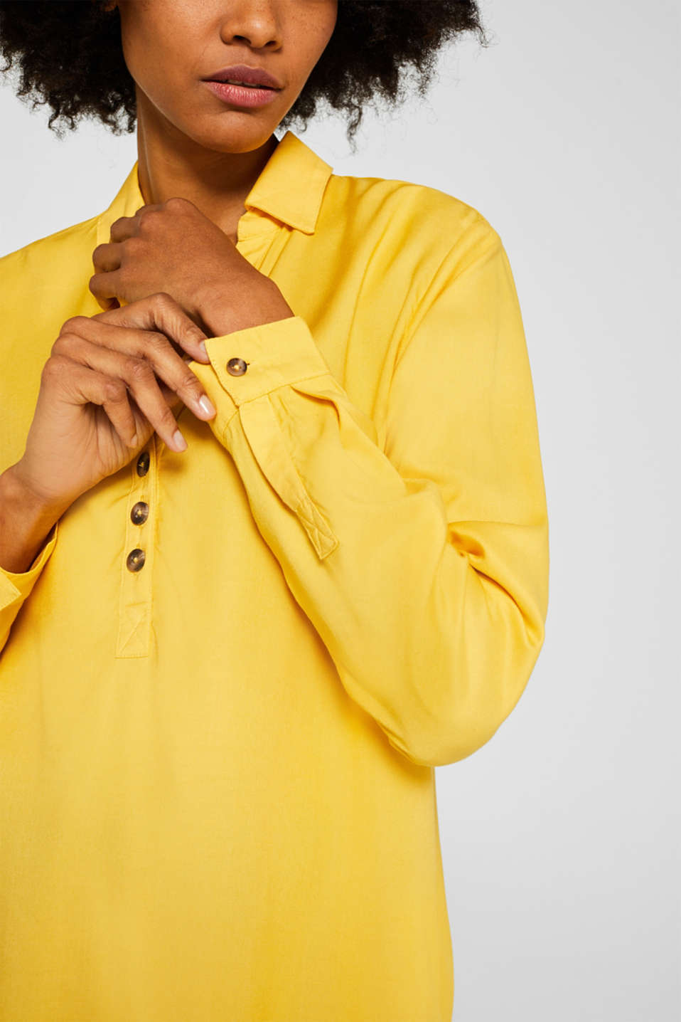 Slip-on blouse with an open collar, YELLOW, detail image number 2