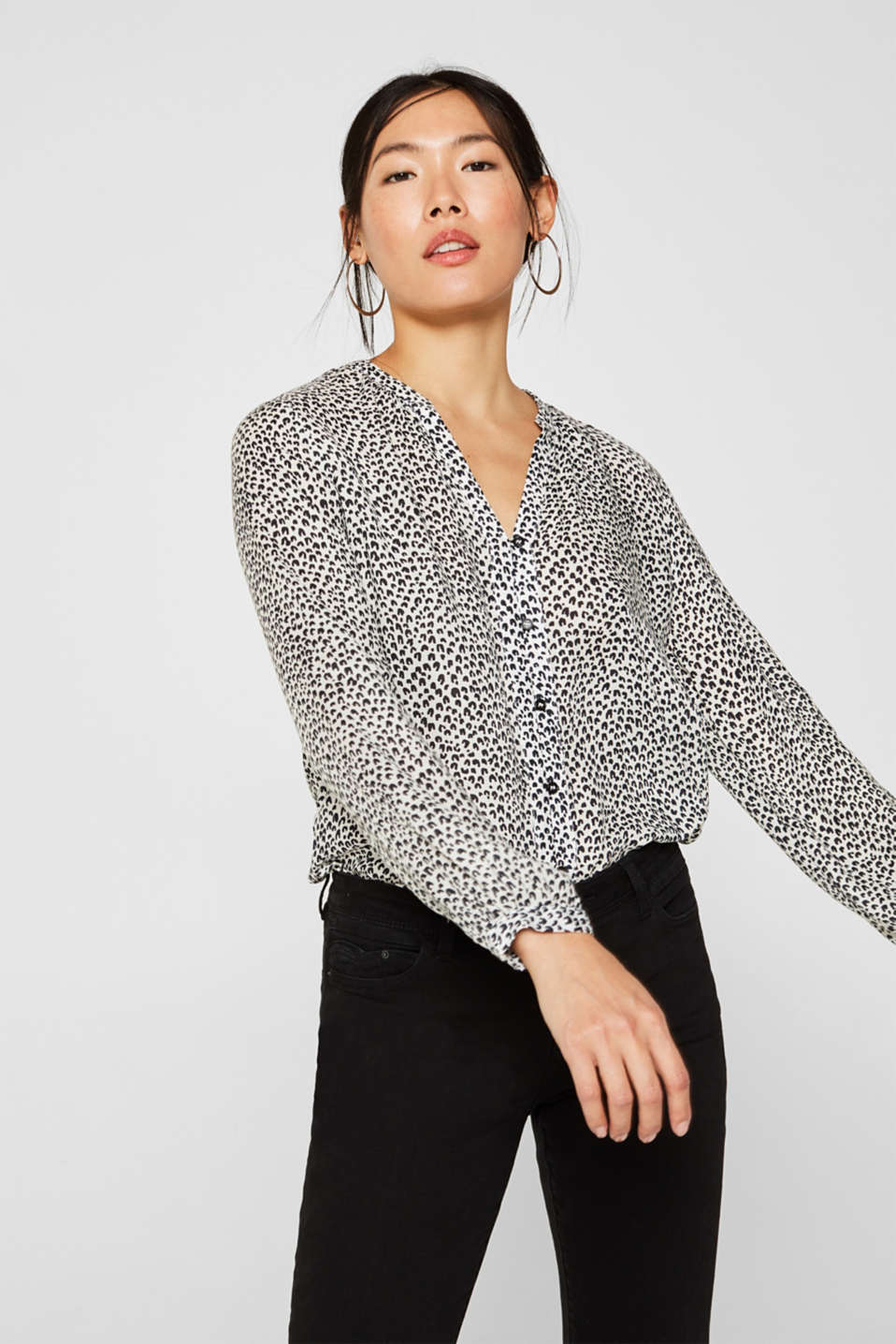 Esprit - Delicate crêpe blouse with print