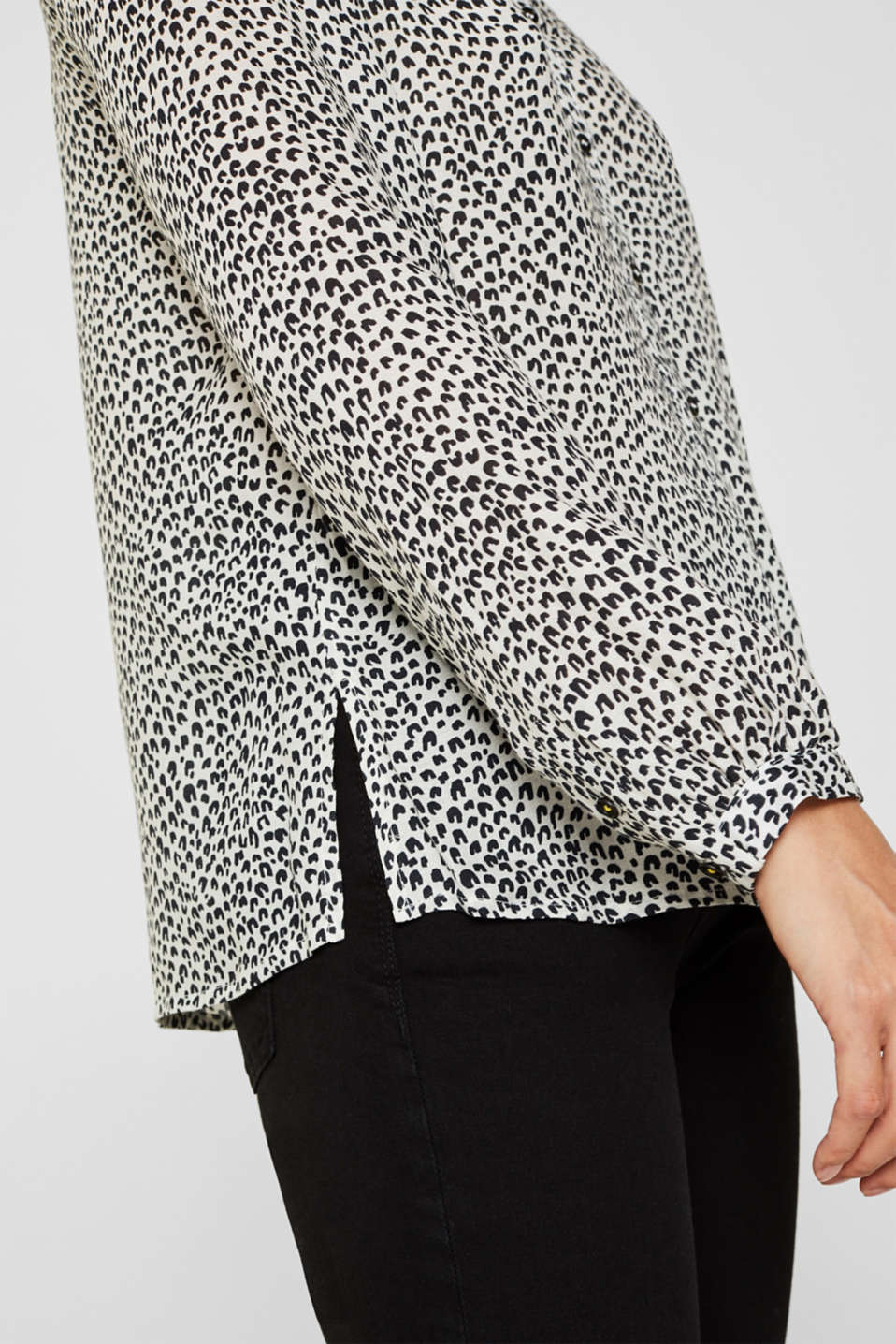 Delicate crêpe blouse with print, OFF WHITE 4, detail image number 2
