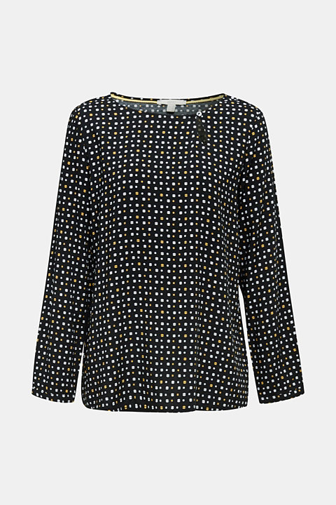 Print blouse with new neckline