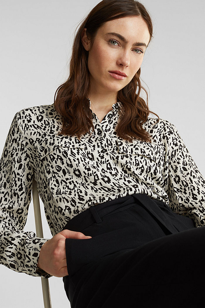 Print blouse with flap pockets