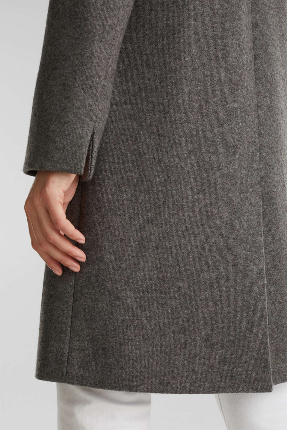 Made of blended wool: Coat in a knit look, DARK GREY 5, detail image number 5