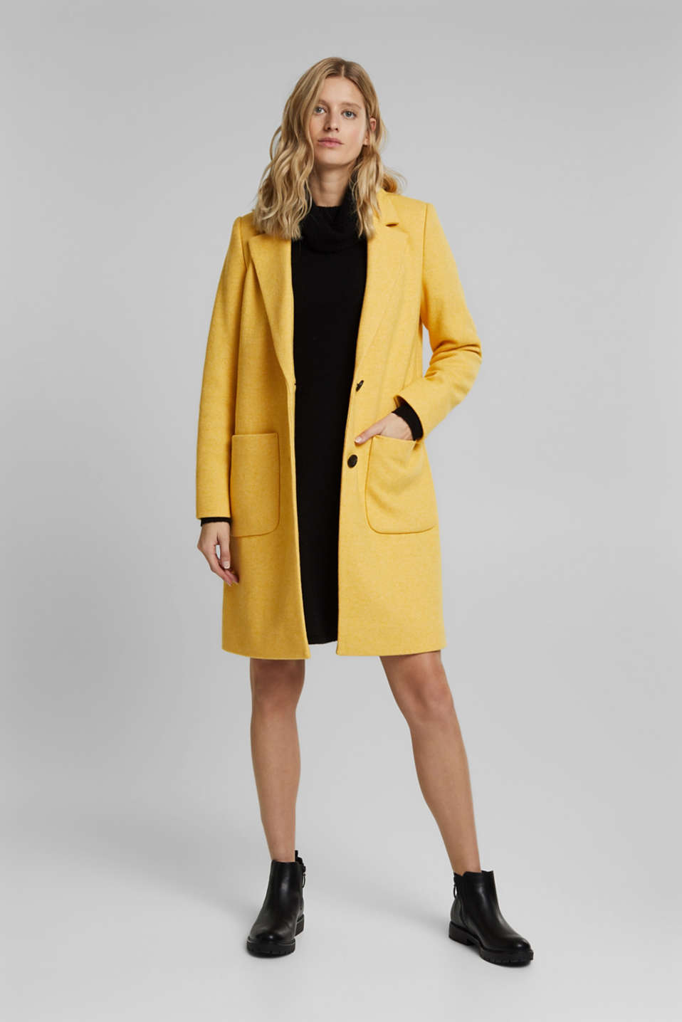 With wool: Coat in a fine knitted look, DUSTY YELLOW, detail image number 1