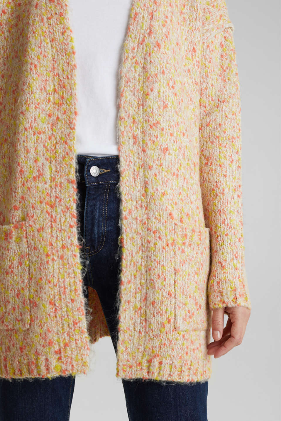 Wool blend: Cardigan with a dimpled texture, BEIGE, detail image number 4