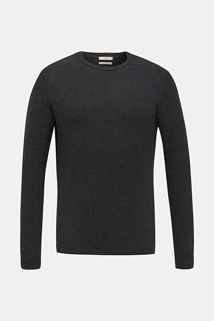 À teneur en laine: le pull-over en maille côtelée