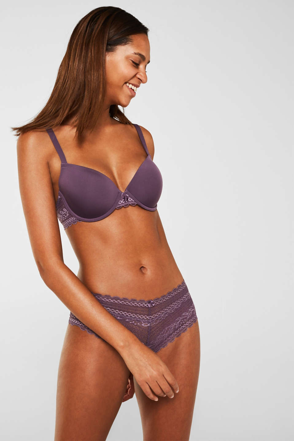 Padded underwire bra with lace, BERRY PURPLE, detail image number 0
