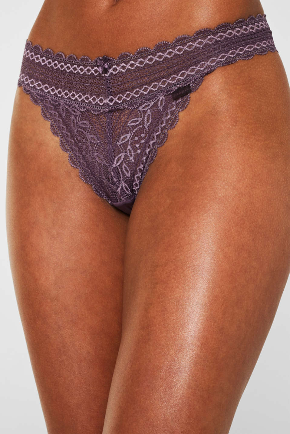 Delicate lace hipster thong, BERRY PURPLE, detail image number 1