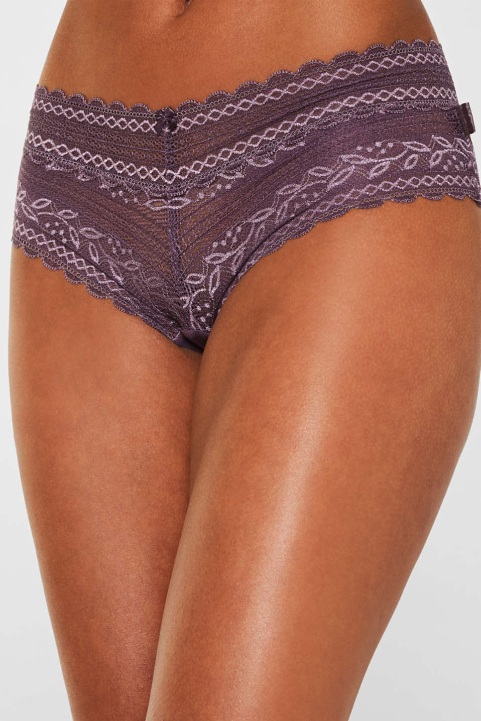 Hipster shorts in delicate lace, BERRY PURPLE, detail image number 1