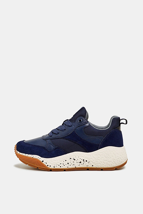 Trend trainers with an oversized sole