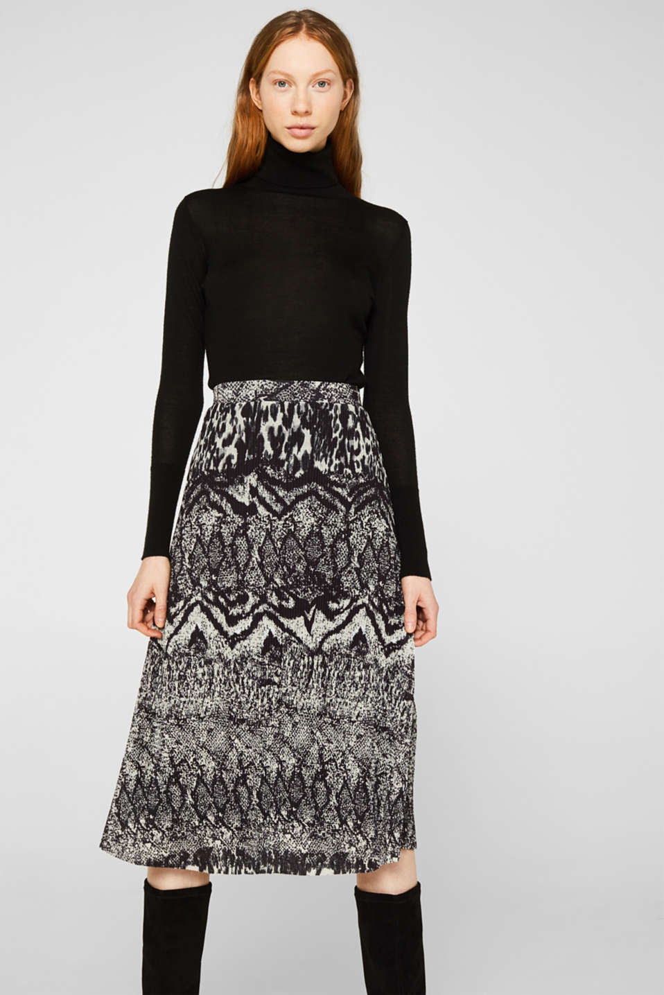 Esprit - Pleated skirt with an animal print