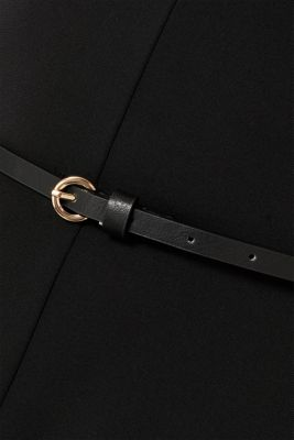 Jersey dress with a belt