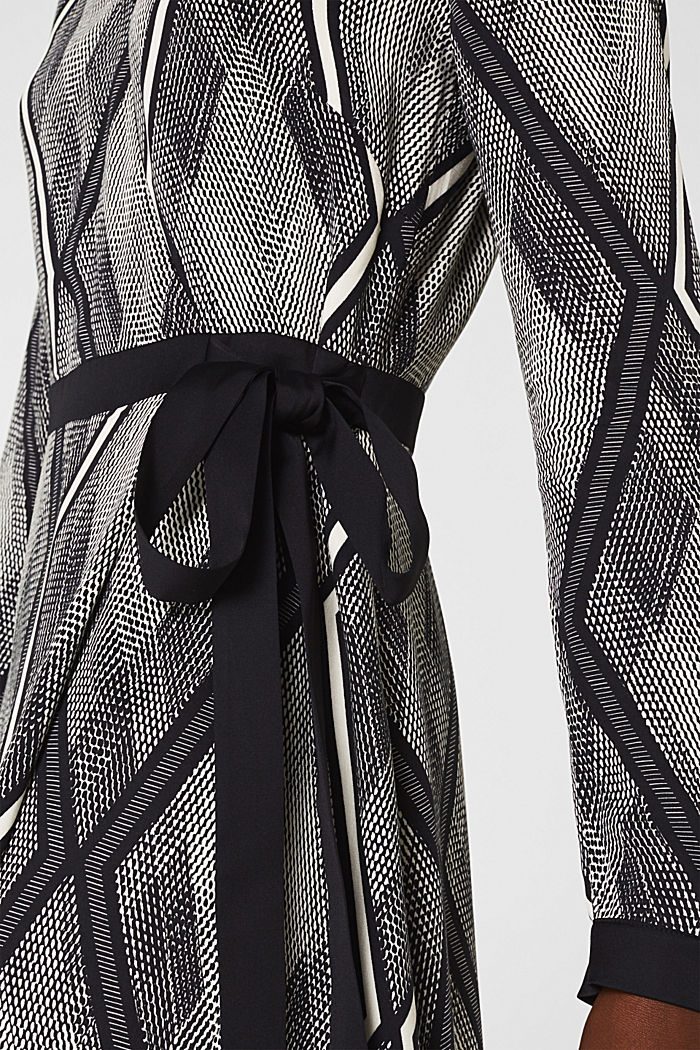 Dress in a wrap-over effect with a geometric print, BLACK, detail image number 3