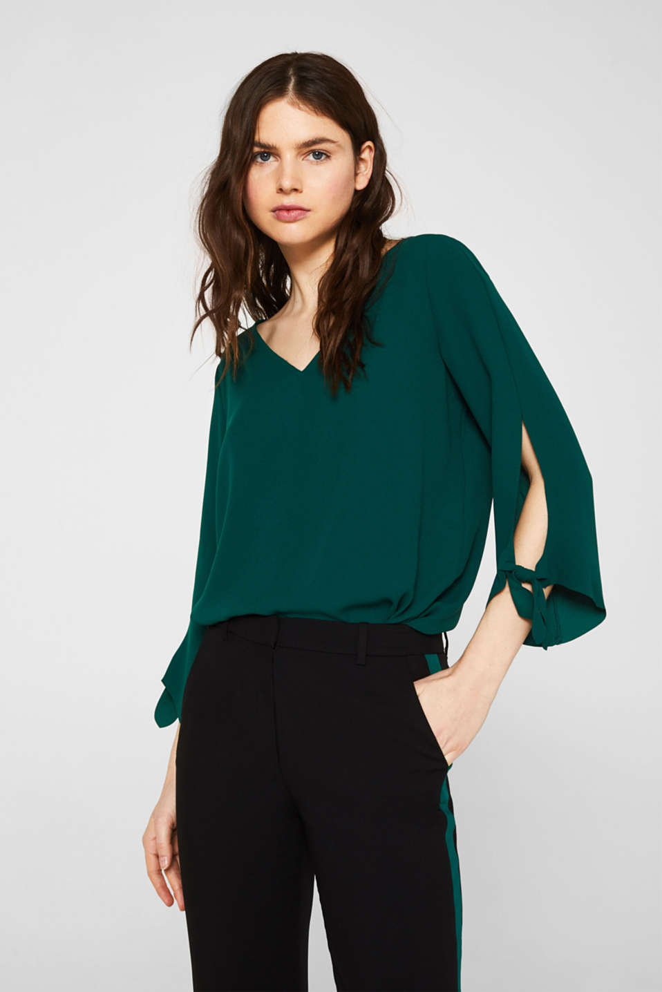 Esprit - Stretch blouse with bows and unfinished edges