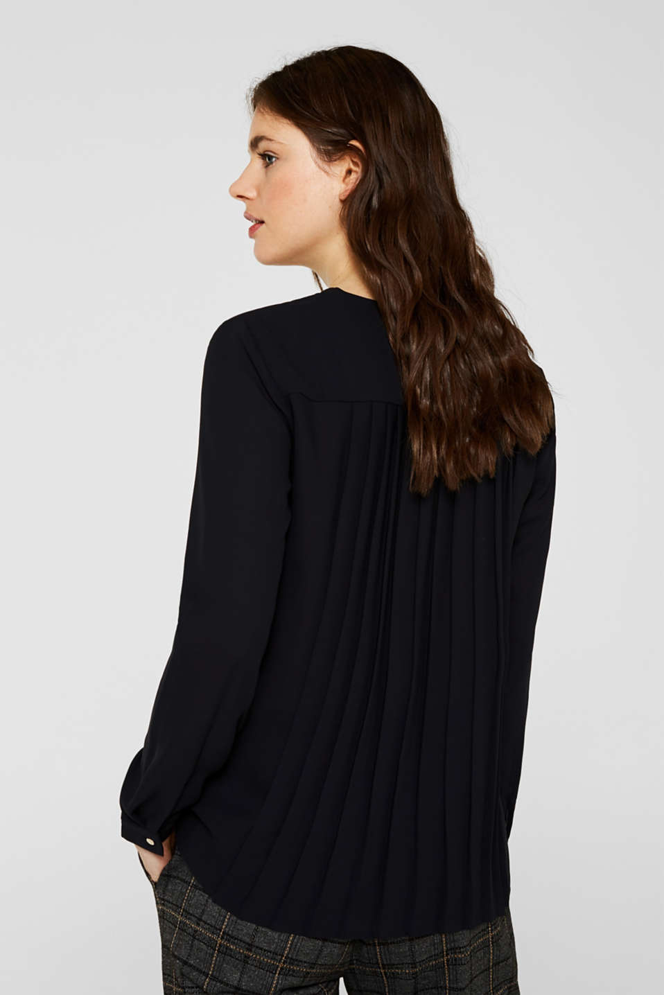 Crêpe blouse with a pleated back section, BLACK, detail image number 3