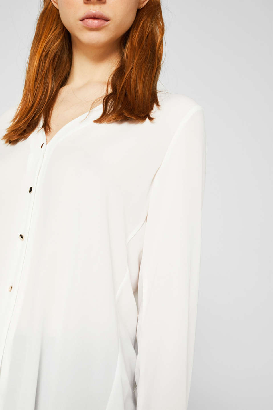 Crêpe blouse with a pleated back section, OFF WHITE, detail image number 4