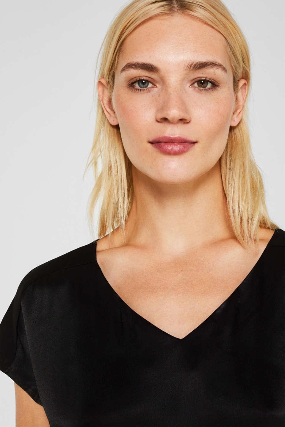 Blouse top in a shiny matte look, BLACK, detail image number 5