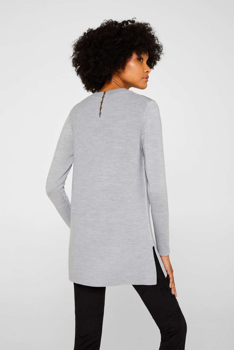 With responsible wool: long turtleneck jumper