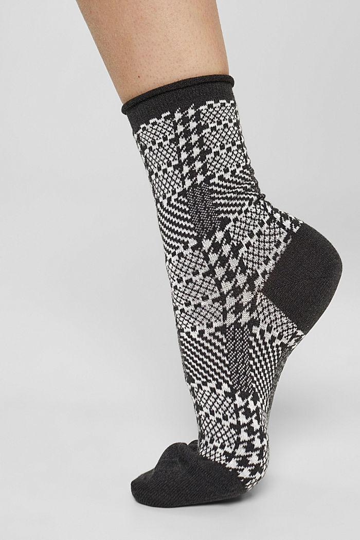 Met wol: sokken met patroon van een katoenmix